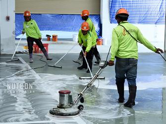 ล้างพื้นลงแวกซ์